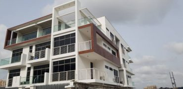 Luxury 3 bedroom flat for sale